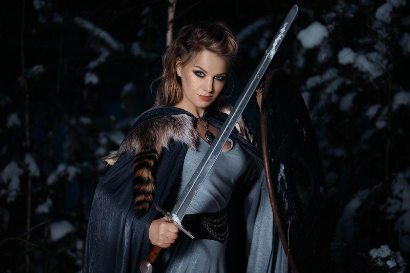 викинги, щит, меч, девушка, платье, портрет, 2016, зима, лес, скандинавия ***photo preview