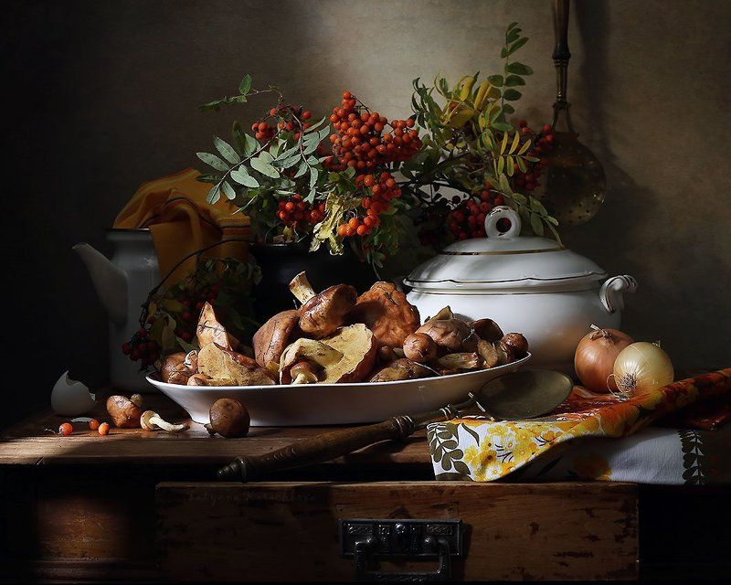 грибы, маслята, рябина, сентябрь, натюрморт Сентябрьские маслятаphoto preview