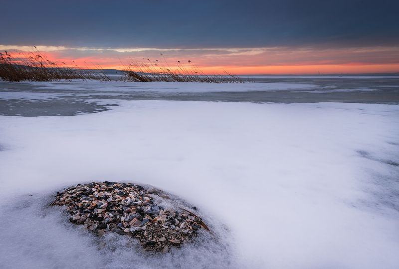 sunset, lake, shell, snow, winter, landscape, nature Snowy lakephoto preview