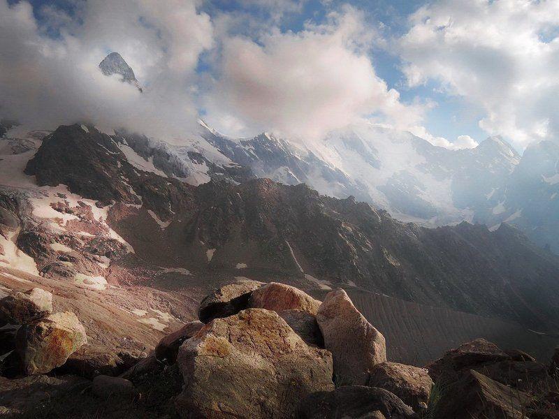 приэльбрусье, джан- туган сквозь облака, утро, солнце И утро наступилоphoto preview
