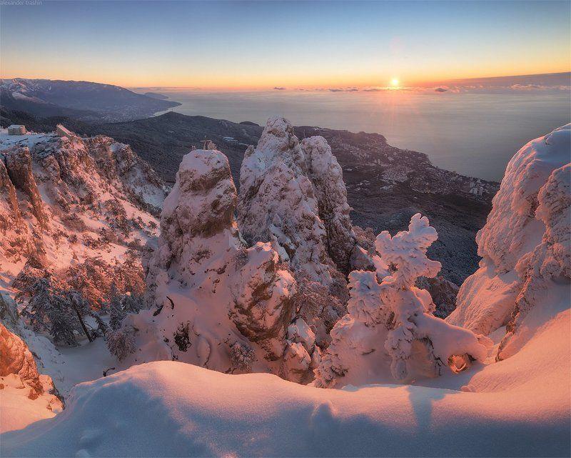 крым, ай-петри, восход, пейзаж Freezing Sunrisephoto preview