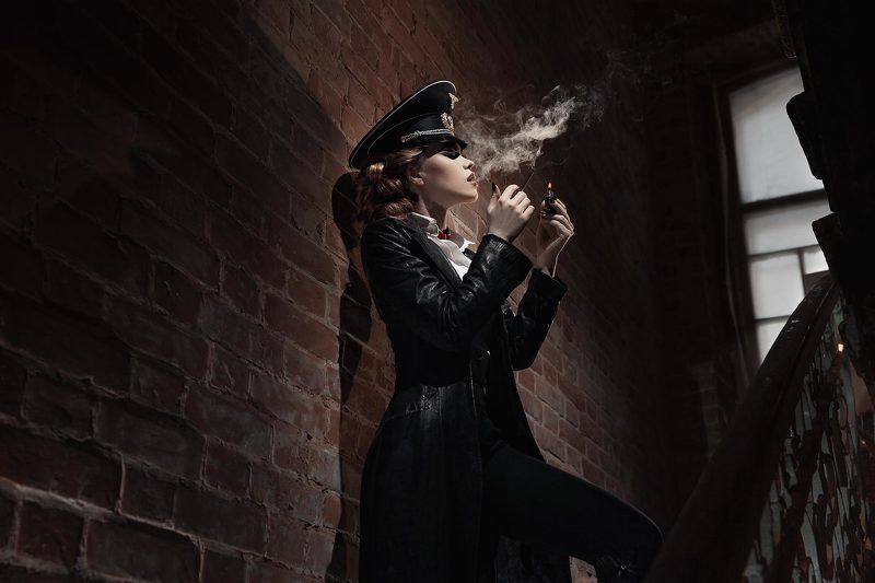 Немец, портрет, сигарета, кирпич, девушка, 2017, Тюмень ***photo preview