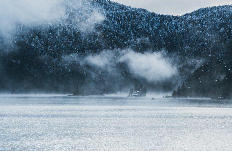озеро; горы; зима Морозное утро высокогорного озераphoto preview