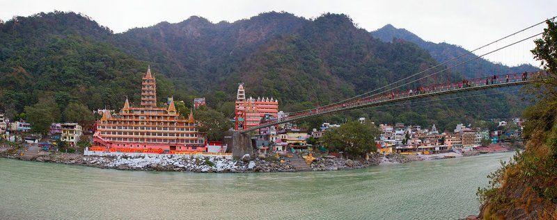 Глядя на священную Гангу...photo preview