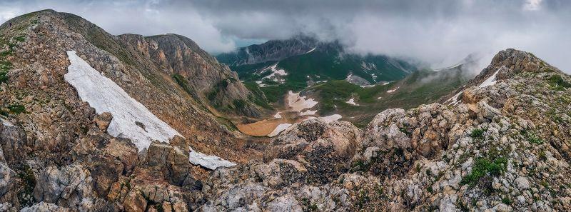 Вид на облачный Оштен...photo preview