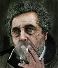 Мужской портрет с сигаретой....