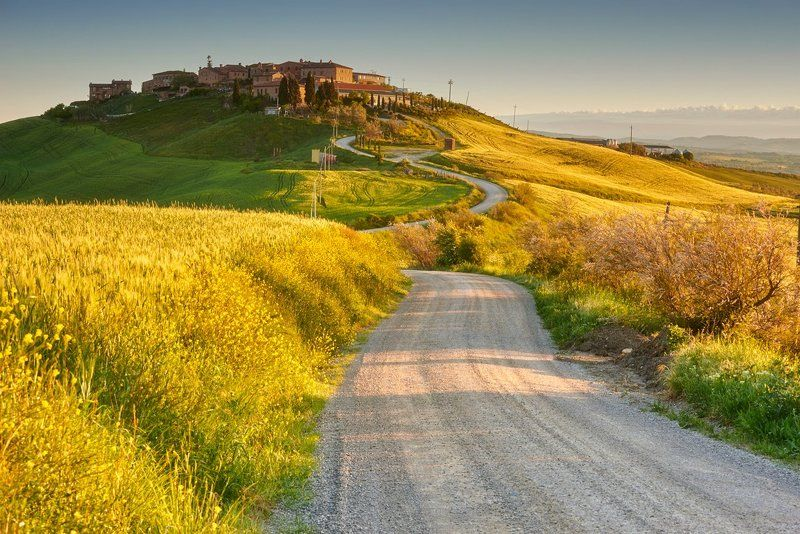tuscany, italy, toscana, road Towards Tuscan housesphoto preview