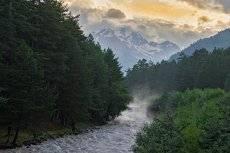 Холодная река.