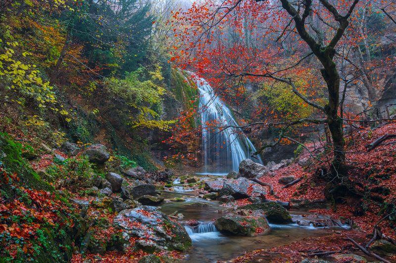 Водопад Джур-Джур осеньюphoto preview