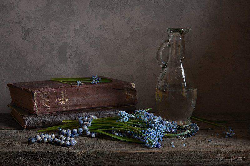 натюрморт, утро, цветы, бусы, лазурит, март С букетиком мускари и бусами из лазуритаphoto preview