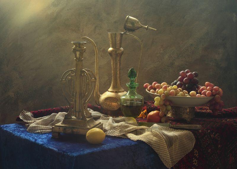 виноград, фрукты, подсвечник,вино, кумган Натюрморт с подсвечником и кумганомphoto preview