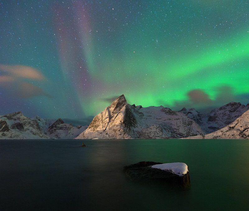 Olstinden auroraphoto preview