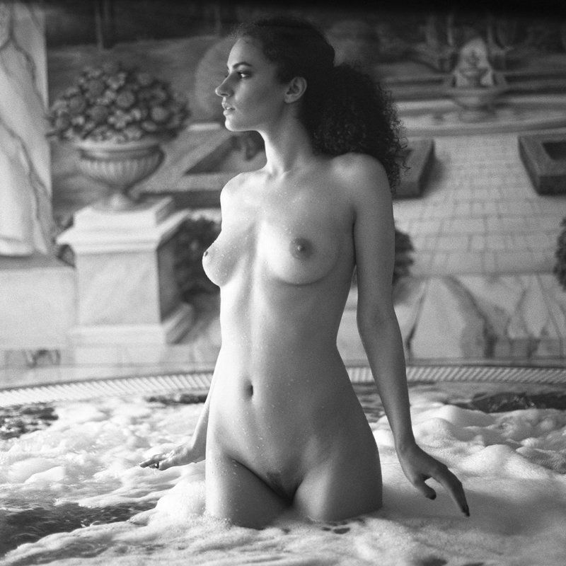akt, nude, analog, hasselblad, ninoveron, topless, women, bw, 6x6, Agaphoto preview