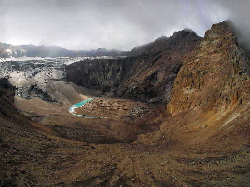 мутновский, вулкан, вулканчик, камчатка В кратере Мутновскогоphoto preview