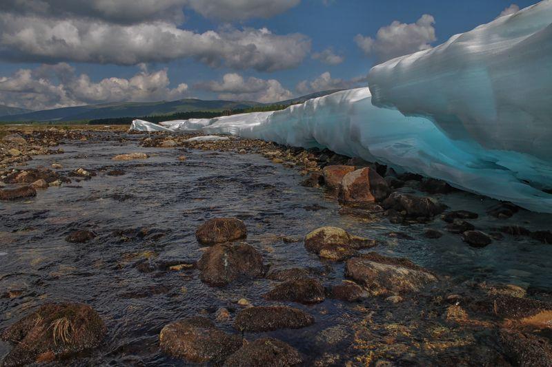 якутия, нерюнгри, самокит, река самокит, лед, лето 13 июляphoto preview