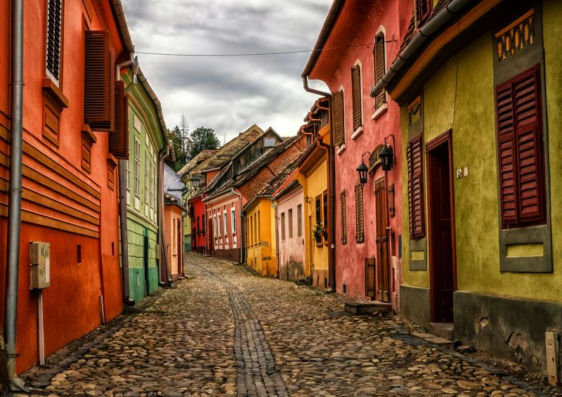 romania. sighisoara, transylvania, old town, medieval, colorful houses, travel,  Color palettephoto preview
