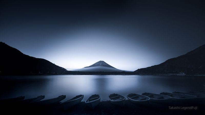 fuji,mountain,japan,lake,water,boat,sunshine,sunrise,morning,amazing,landscape,wonderful,beautiful, Boats at dawn (Blue ink version)photo preview