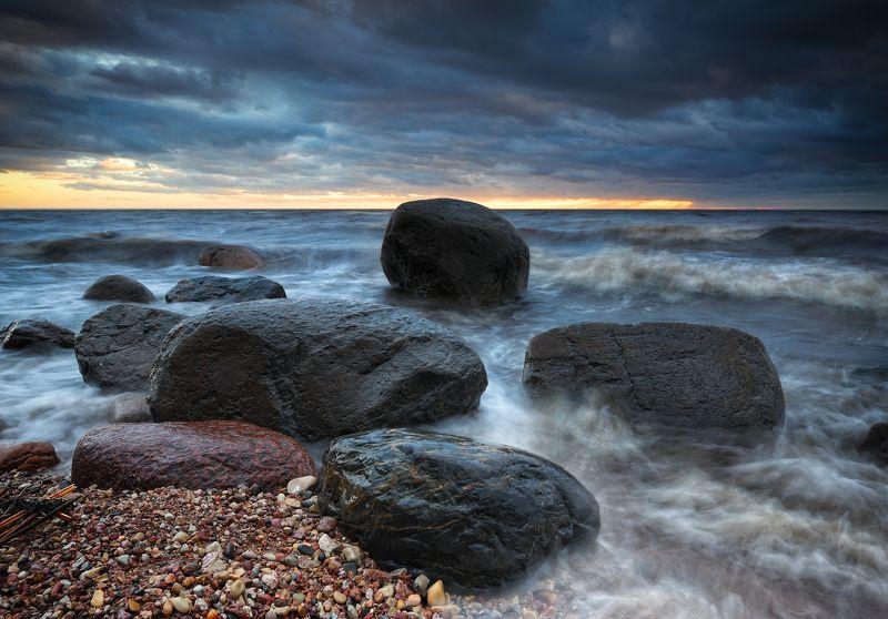 пейзаж море пляж Весенний штормphoto preview