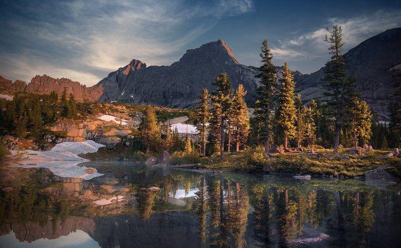 пейзаж, природа, ергаки, саяны, лазурное, горы, скалы, вершины, хребет, озеро, вечер, спящий, саян, дно, камни, отражения, вода, холодный, большой, высокий, красивая Лазурноеphoto preview