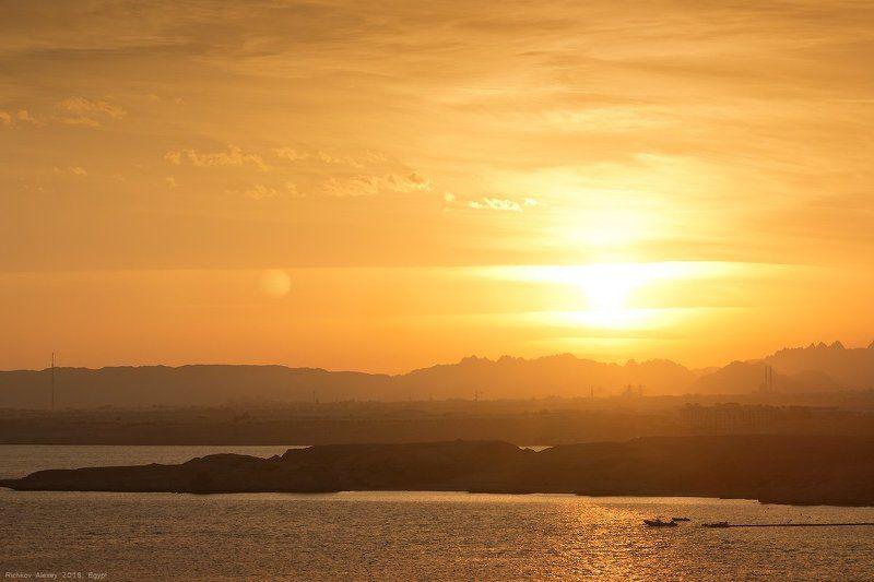 египет, Шармальшейх, море, вечер, закат, берег, отель Страна заходящего солнцаphoto preview