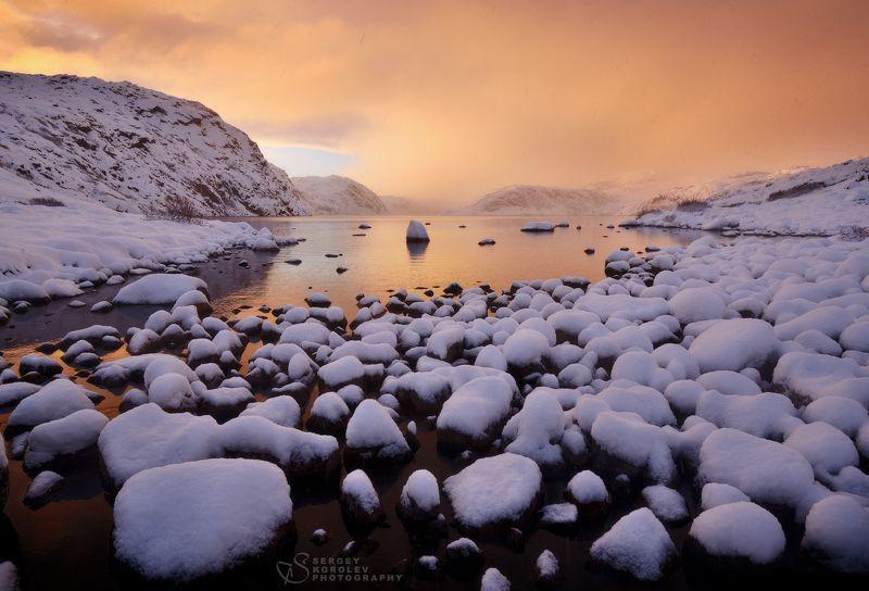 Рассветный час на берегу озера Большое батарейскоеphoto preview