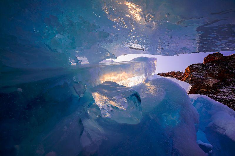 байкал, март, ольхон, торосы Байкальский восход. Взгляд изнутриphoto preview