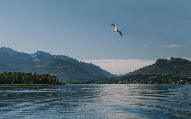 озеро;, горы;, путешествие Теплый ветерphoto preview