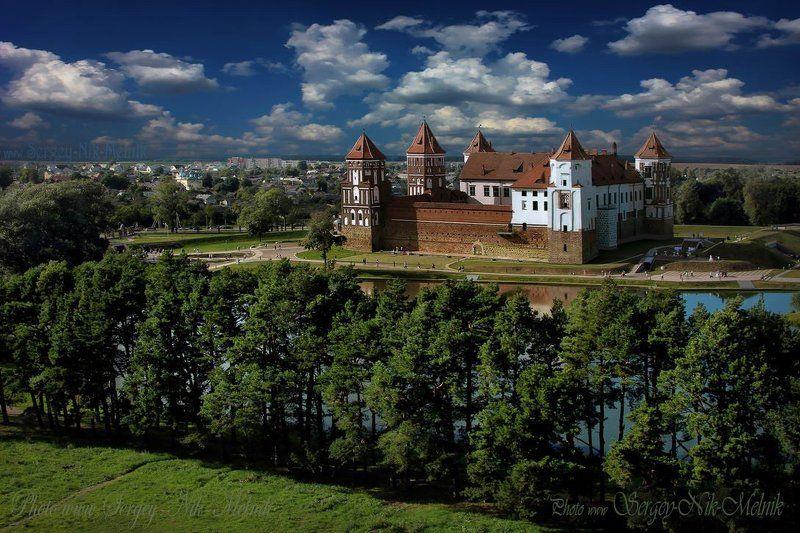 беларусь, мир, замок, дворец, архитектура Пролетая над гнездом...photo preview