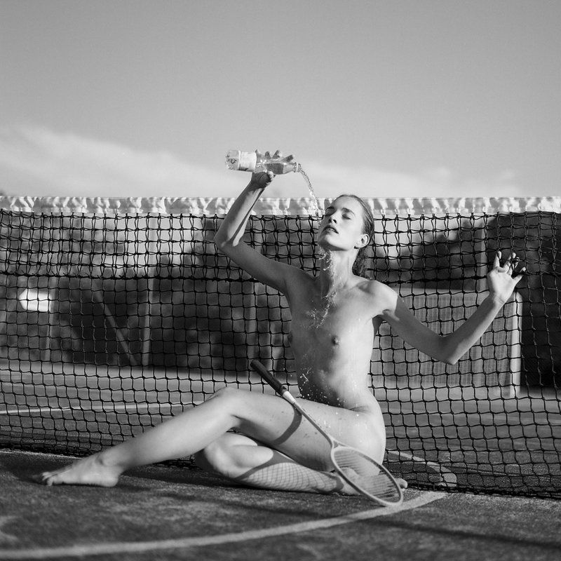 akt, nude, analog, hasselblad, ninoveron, women, topless, 6x6, bw, Danielaphoto preview