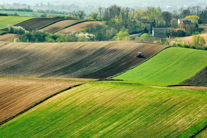 ponidzie, landscape, tractor, spring, fields Spring workphoto preview