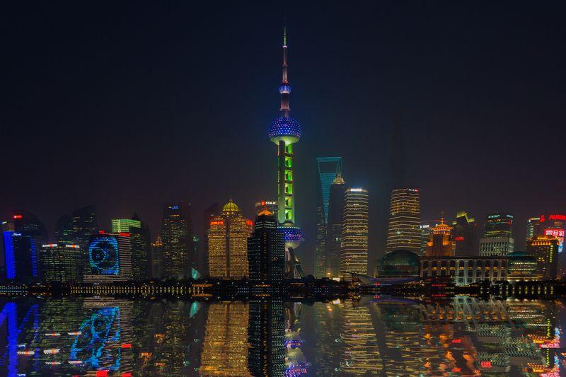 путешествие,Китай,Шанхай,ночной город,travel,cityscape, Отражение ночного города.photo preview