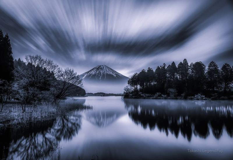 Fuji,mountain,Japan,clouds,lake,water,reflection,landscapes,trees,flow,mirror,amazing,beautiful,wonderful, Flow of cloud (blue ink version)photo preview