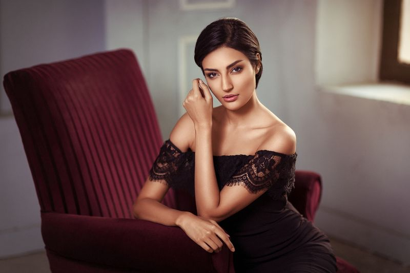 beauty, portrait, lighting, location, style, model, girl, face, look, Monaphoto preview