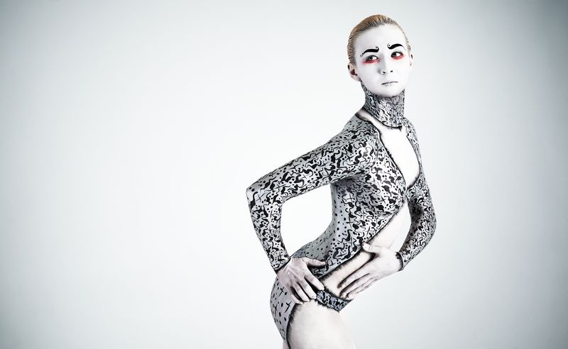 beauty, light, bodyart, art, model, woman, girl, portrait, emotion, studio, vogue Actressphoto preview