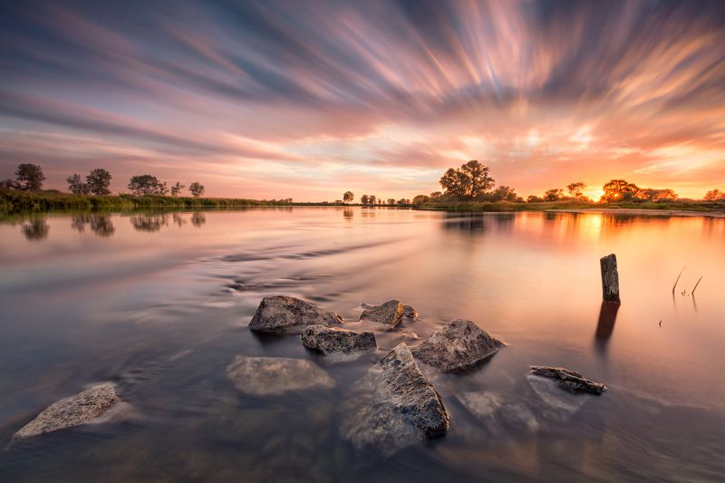 The tranquillity of the Warta Riverphoto preview