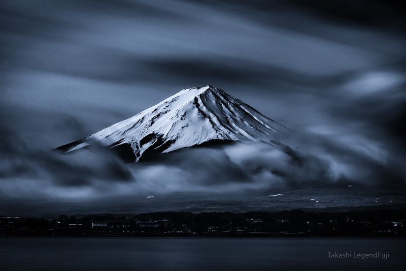 Fuji,Japan,mountain,lake,water,clouds,windy,snow,dance,blue,sky Above the clouds dancingphoto preview