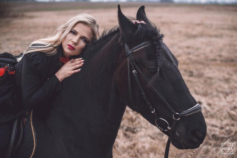 portrait, portraiture, outdoors, Horsephoto preview