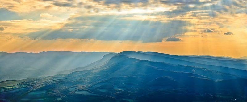 крым,горы,дымка,закат,облака,природа,солнце,лучи,холмы,озера,россия,куйбышево,пейзаж  Закатная дымка после грозыphoto preview
