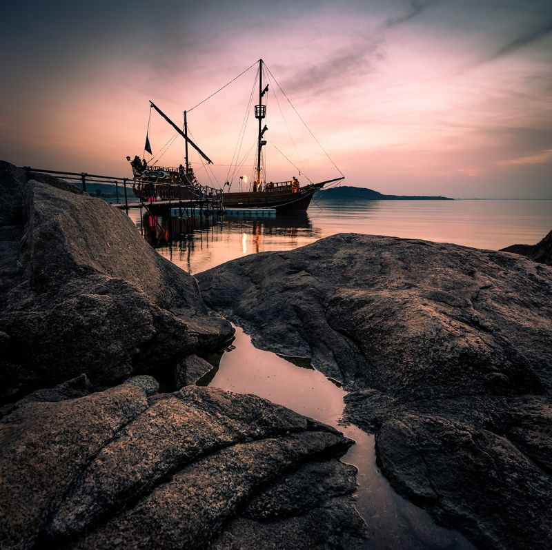 sunset, ship, sea, rock, sky, water, waterscape Esmeraldaphoto preview