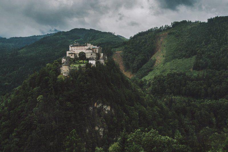 замок; горы; лес; а/встрия; Неприступный замокphoto preview