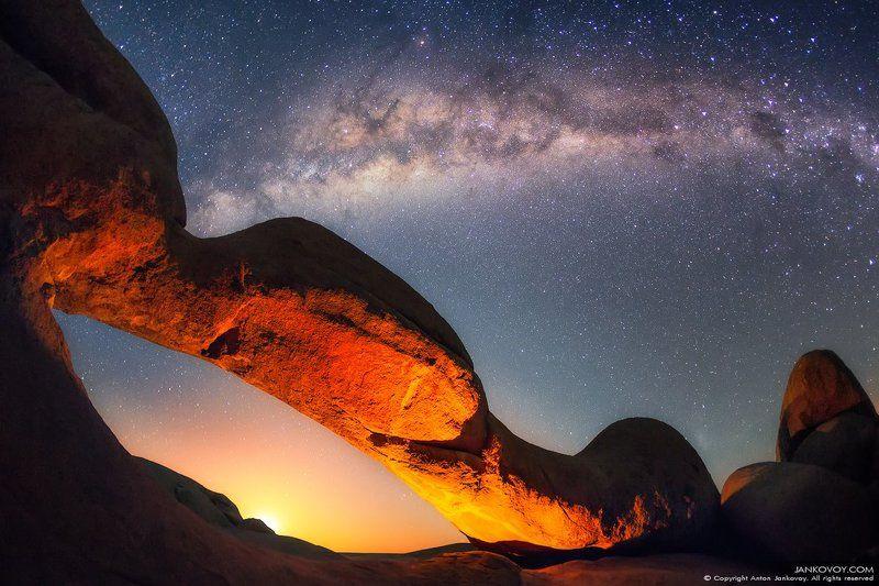 намибия, шпитцкоппе, луна, рассвет, пустыня, млечный путь, вселенная, арка, звездная, ночь, галактика, костер, огонь, космос, горы, массив, астрофотография, пейзаж Восход Луны в Шпитцкоппе (Намибия)photo preview