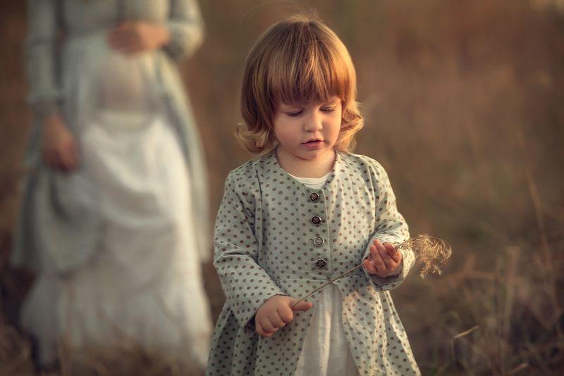 закатное солнце, съёмка на закате, детская съёмка на закате, фотосессия на ферме, Софияphoto preview