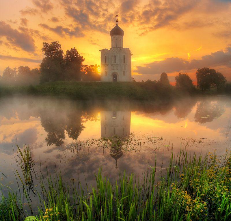 нерли церковь Покрова на Нерли...photo preview