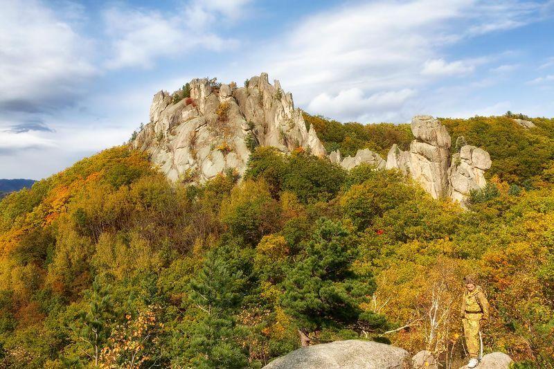 чистоводное, осень, тайга, скалы, приморье скала Драконphoto preview