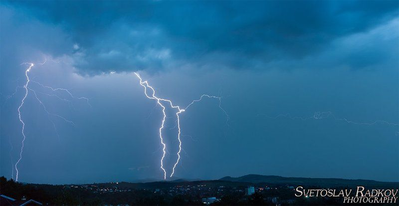 буря над градаphoto preview