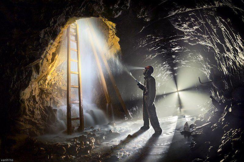 underground, digg, dark Шахта не терпит слабаковphoto preview