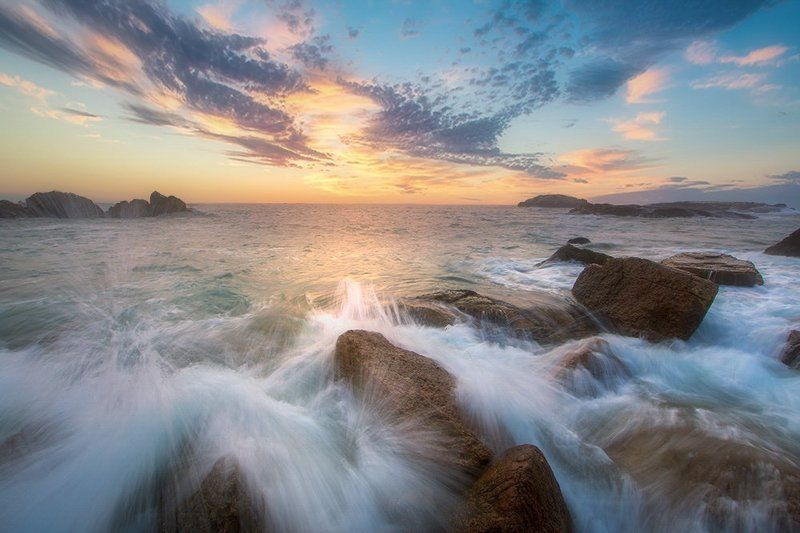 sunrise 惊涛拍岸Island Sunrisephoto preview