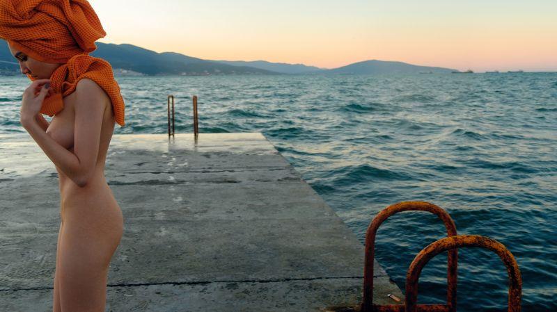 girl, nude, naked, swim, nu, sea, black sea, water, sunrise, dawn, mountain, russia, russian, fujifilm, fujifilmru,  Novorossiyskphoto preview