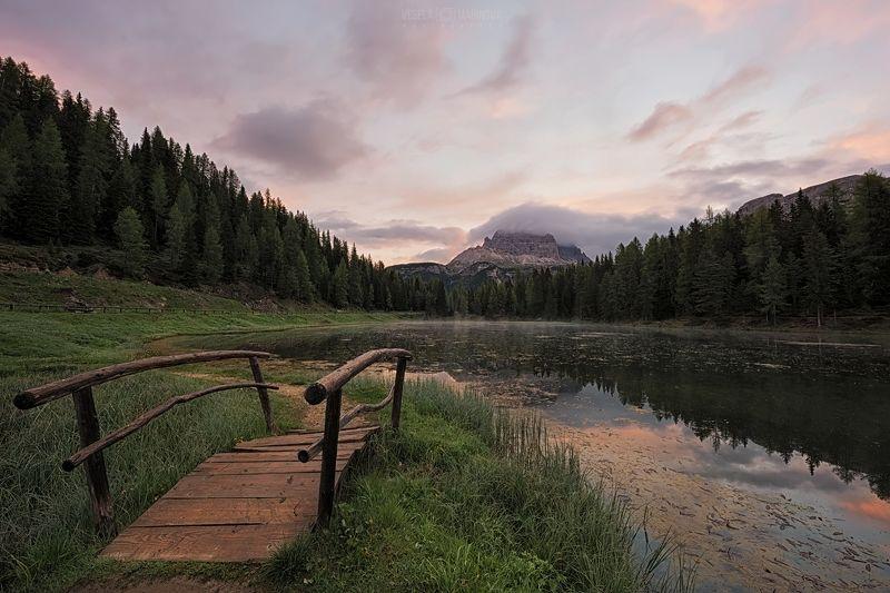 Lago Antorno на рассветеphoto preview