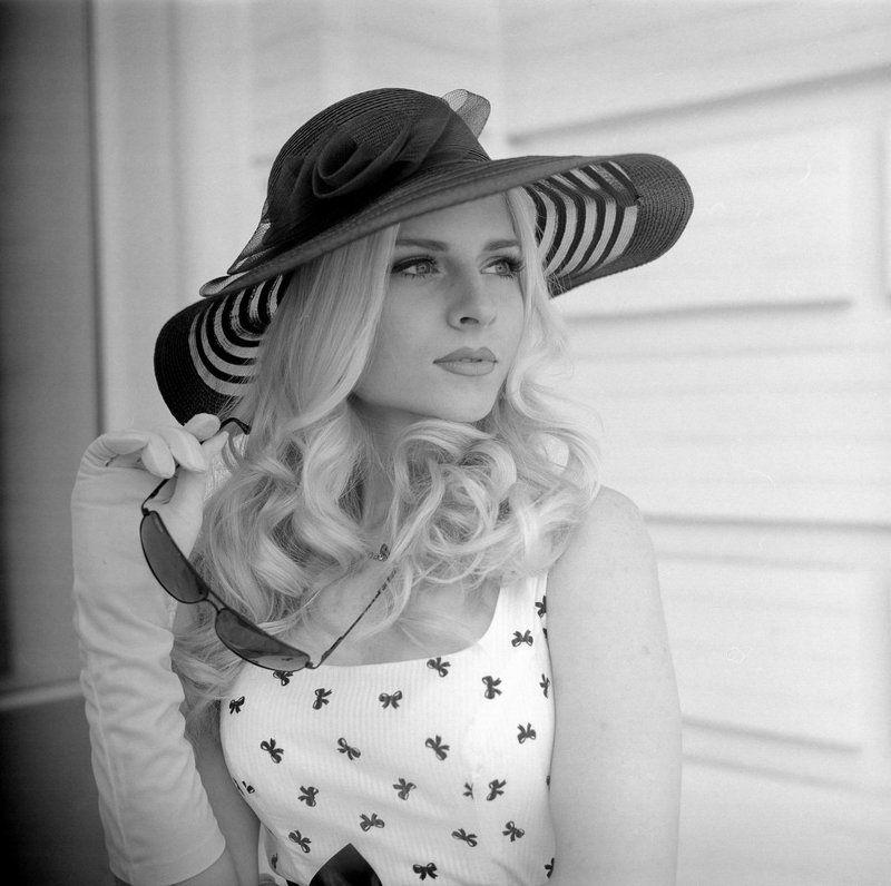 девушка, ретро, пленка, киев 60, черкассы, шляпка, город, гламур Викторияphoto preview